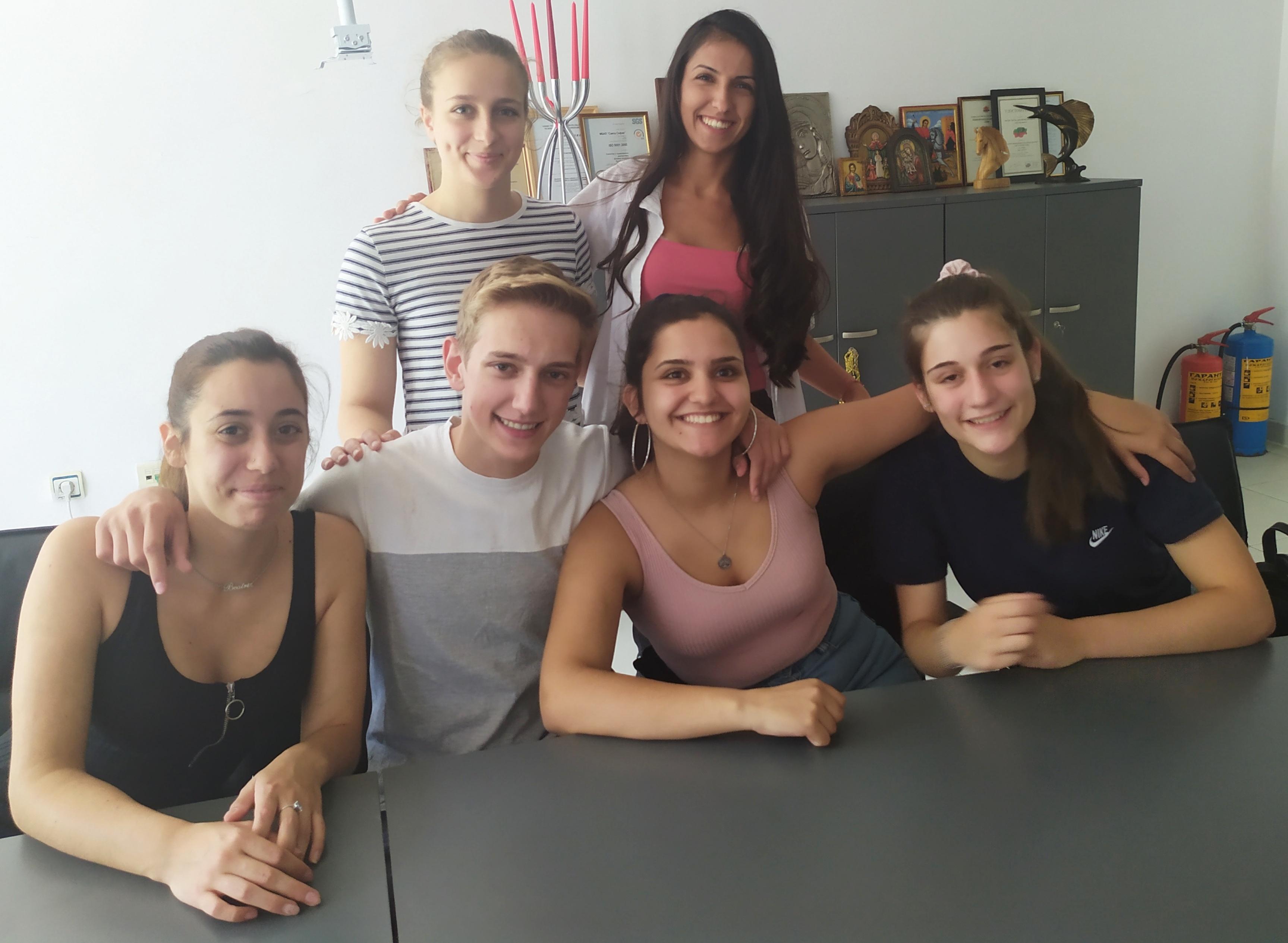 """Португалските стажанти на МБАЛ """"Света София"""" си тръгват от България с нови знания, вълнуващи преживявания и куп приятели"""