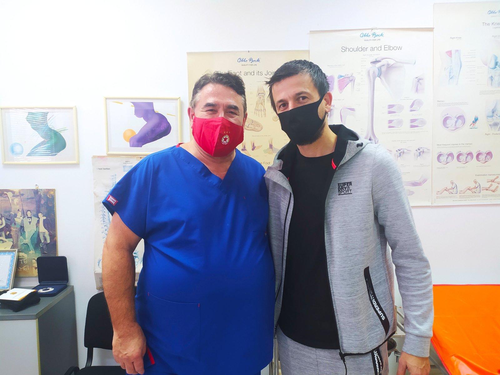 Болка доведе халфа на Славия Дарко Тасевски в семейната им болница